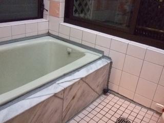 サン・レイク浴室