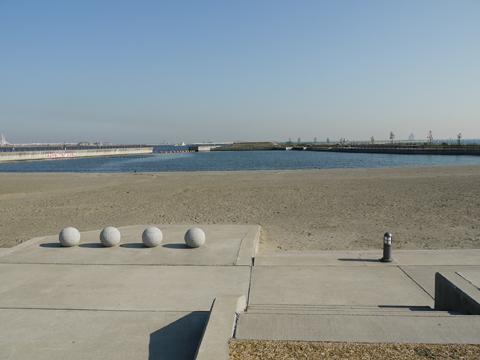 東扇島東公園の人工浜