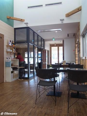 バークファームのカフェ