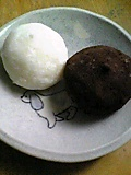mochi CREAM(モチクリーム)のキャラメルプリンとブランディトリュフ