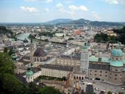 ホーエンザルツブルク城塞から見た新市街