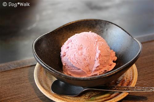 紫芋のアイスクリーム