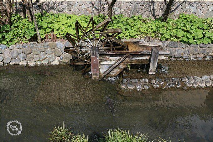 六郷用水のミニ水車