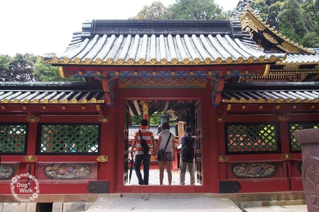久能山東照宮の社殿へ